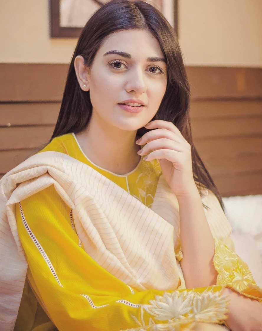 Sarah Khan Pic