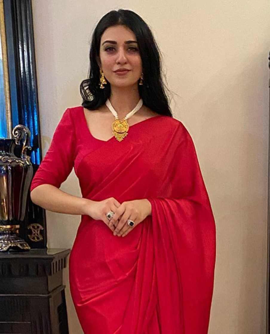 Sarah Khan Red Color Saree Photo