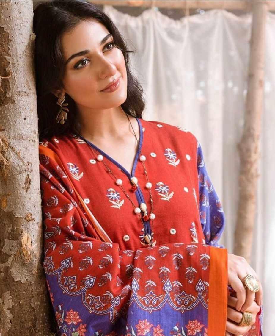 Sarah Khan Red Dress Photo