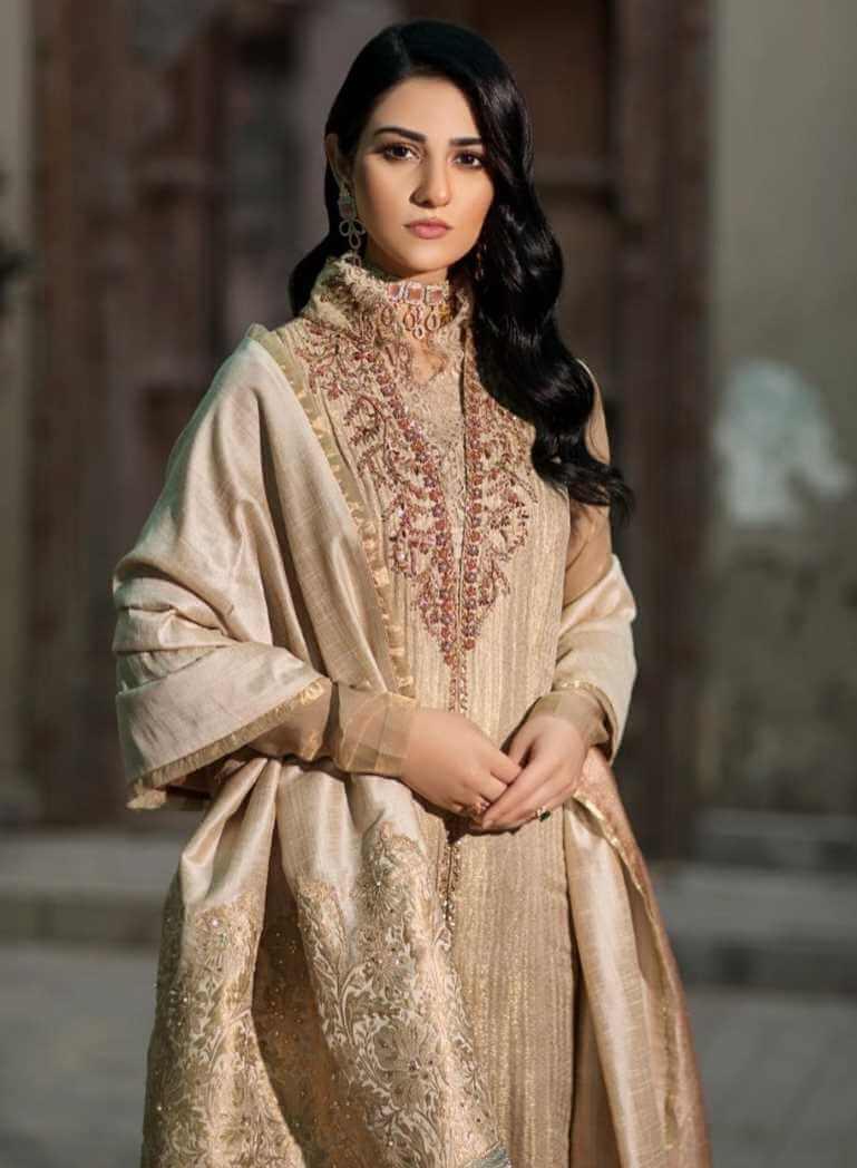 Sarah Khan Salwar Kameez HD Image