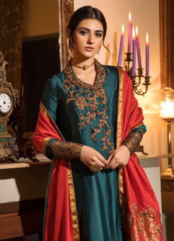 Sarah Khan Salwar Kameez HD Picture
