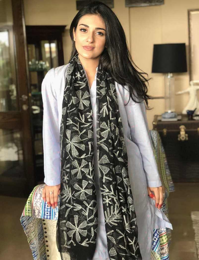 Sarah Khan Salwar Kameez Image Photo