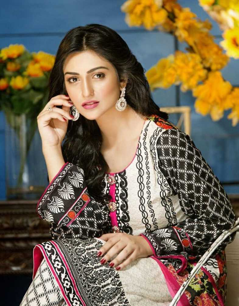 Sarah Khan Salwar Kameez New Photo
