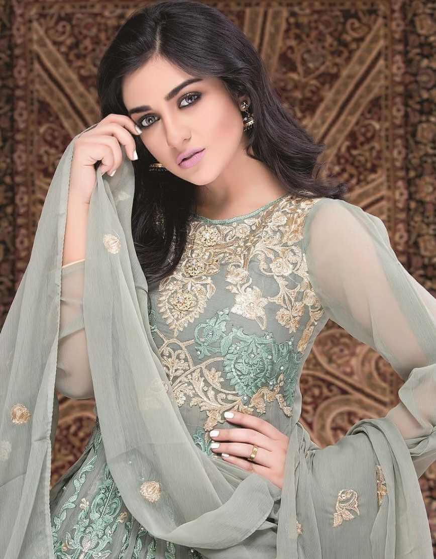 Sarah Khan Salwar Kameez New Pic