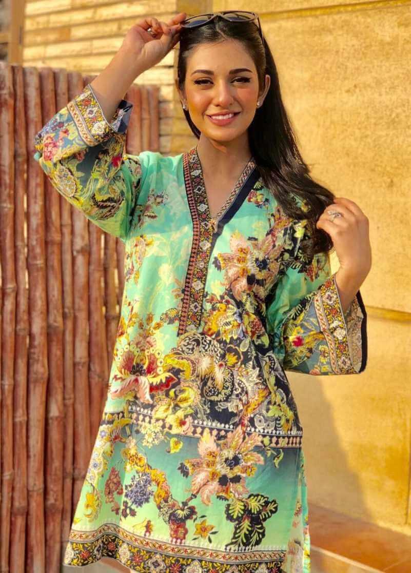 Sarah Khan Salwar Kameez Pic hd