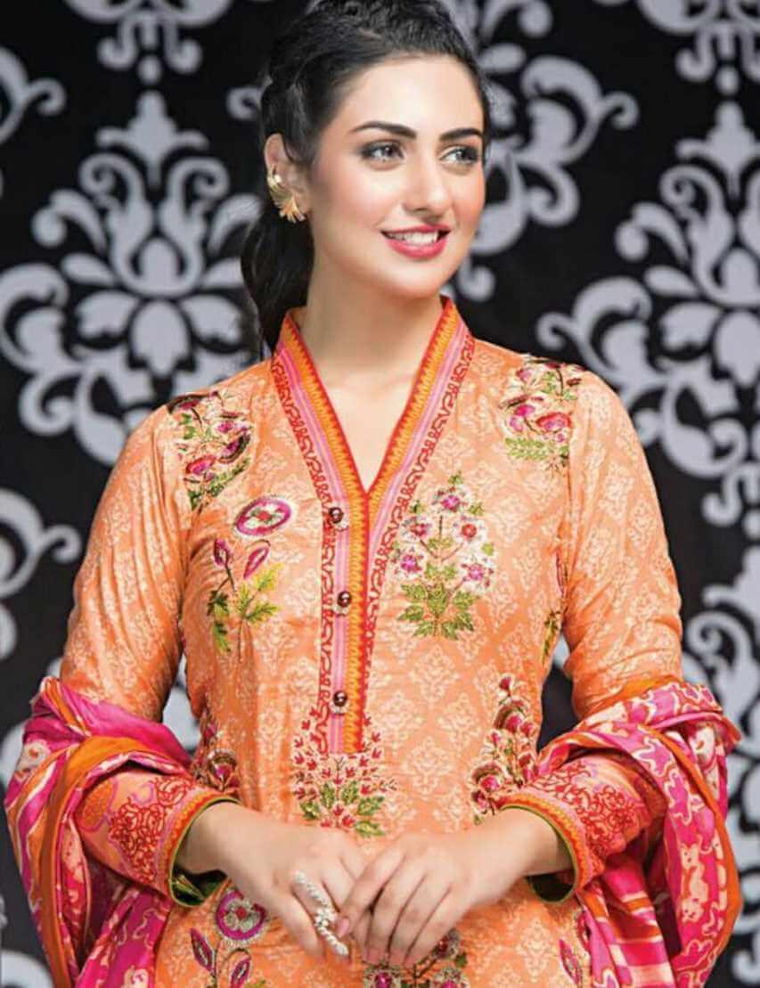 Sarah Khan Salwar Kameez Style Picture