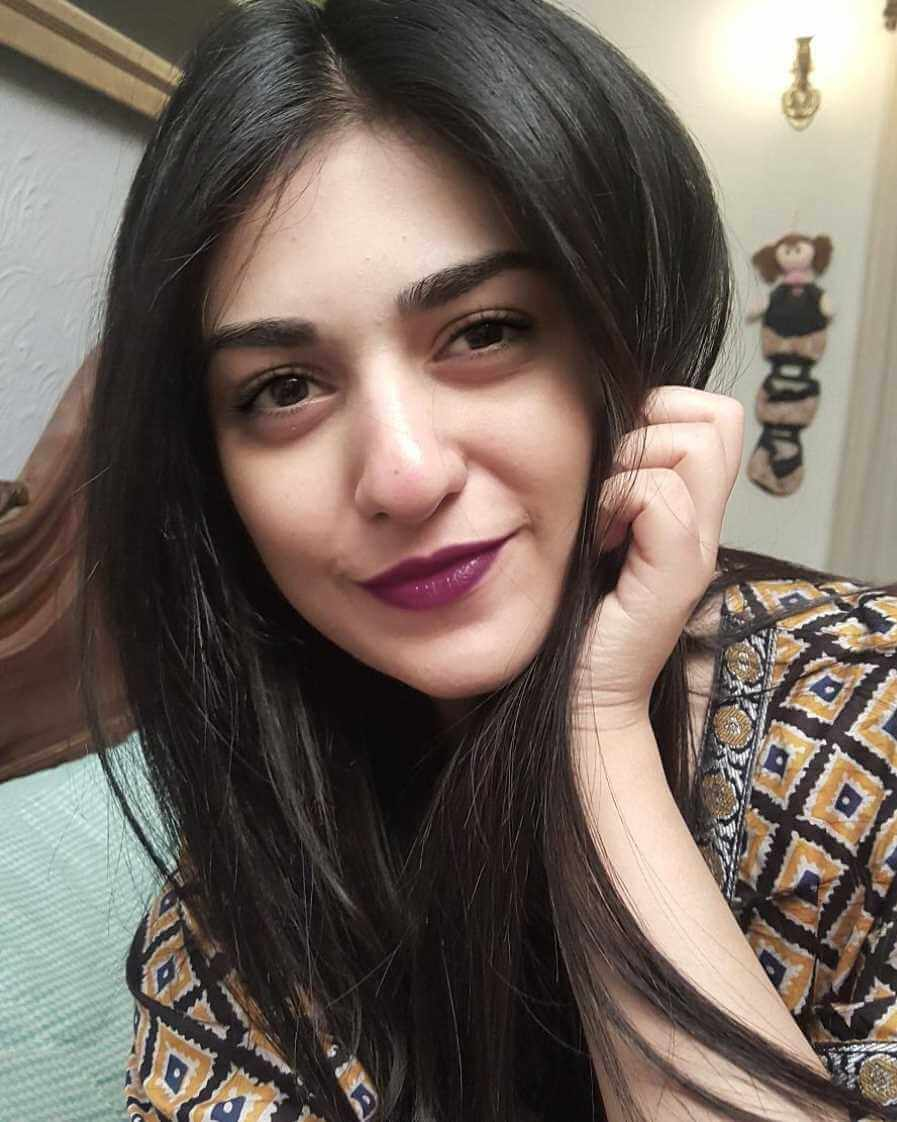 Sarah Khan Sweet Selfie