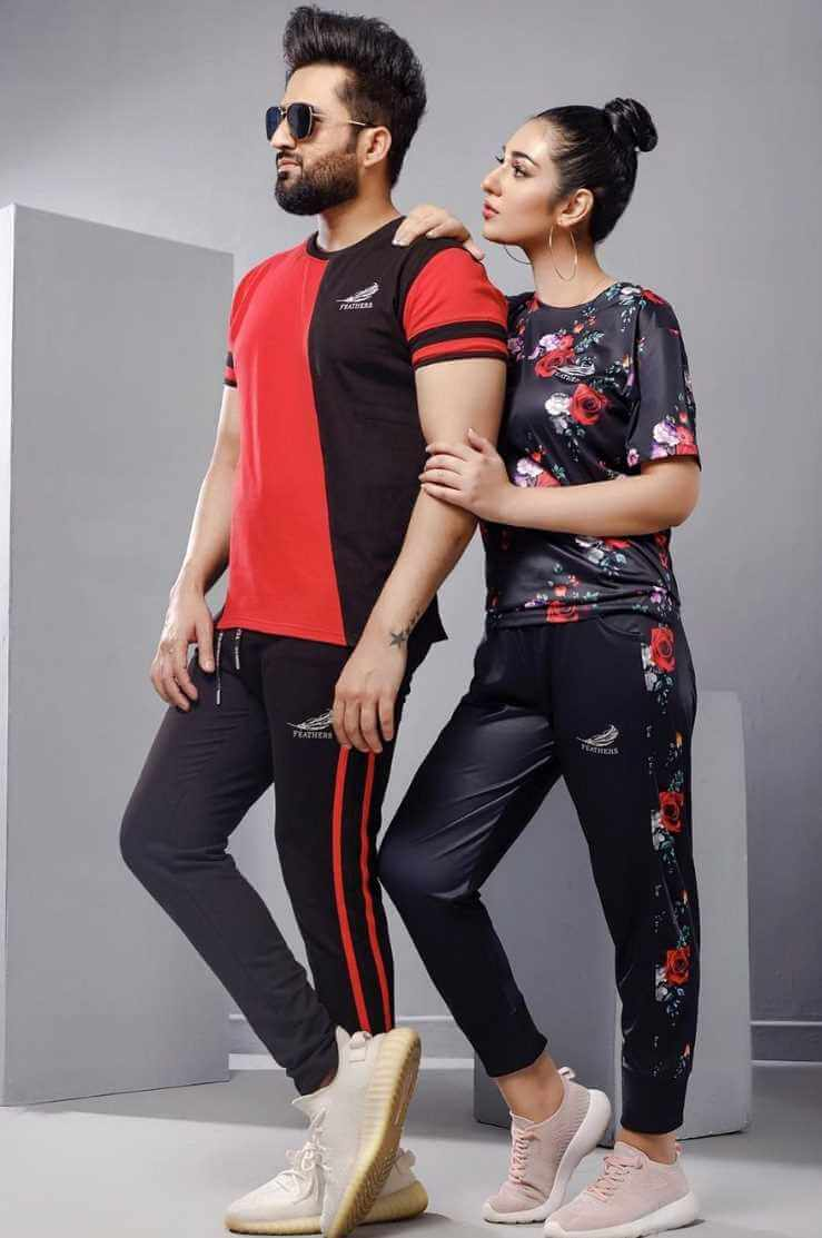 Sarah Khan With her Husband Style photo