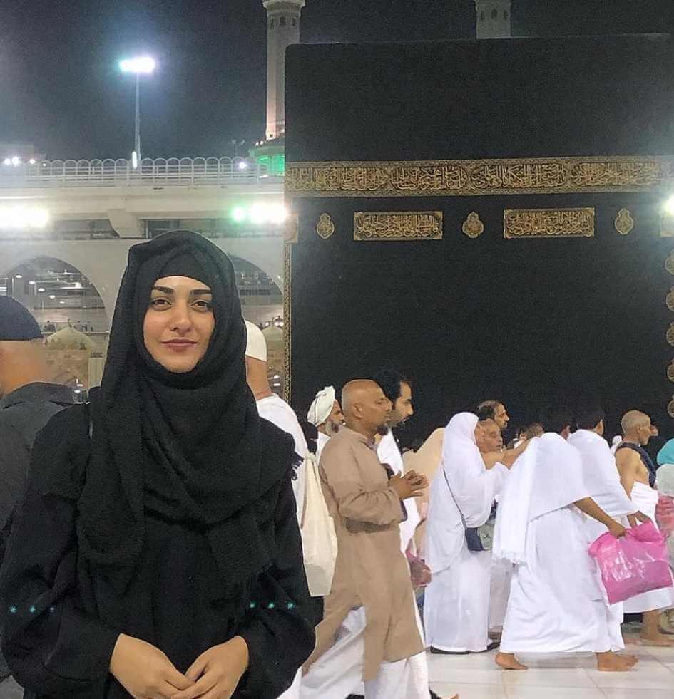 Sarah Khan at Mecca