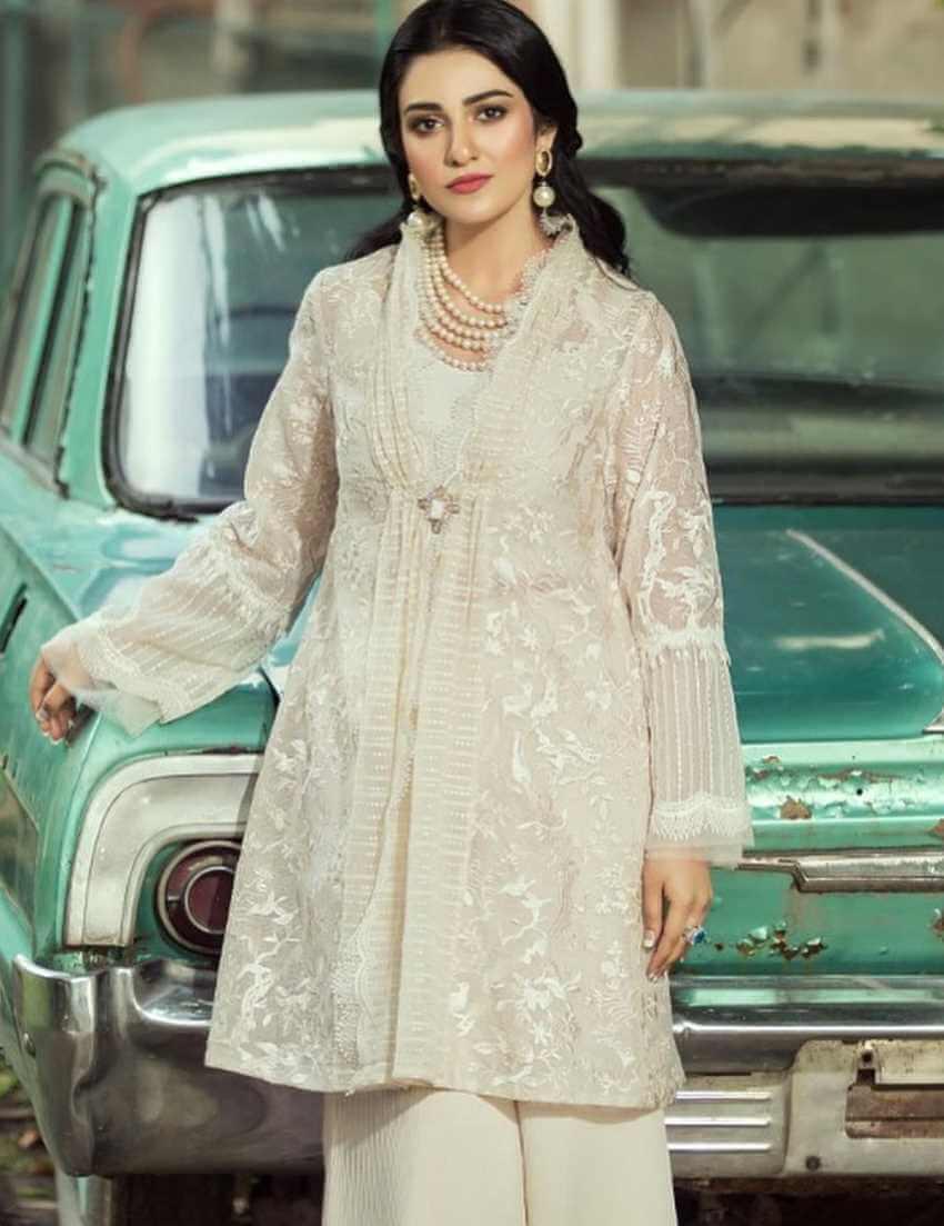 Sarah Khan with Car Photo