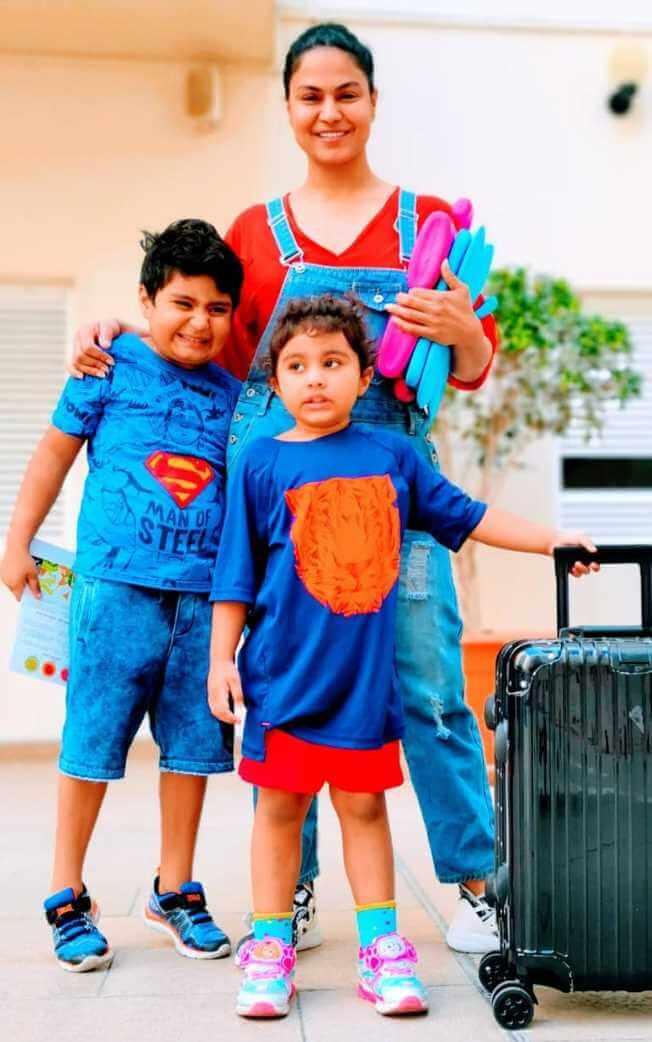 Veena Malik with her Children's Photo