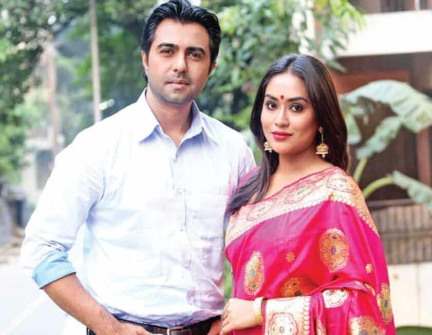 Ziaul Faruq Apurba with Zakia Bari Mamo Picture