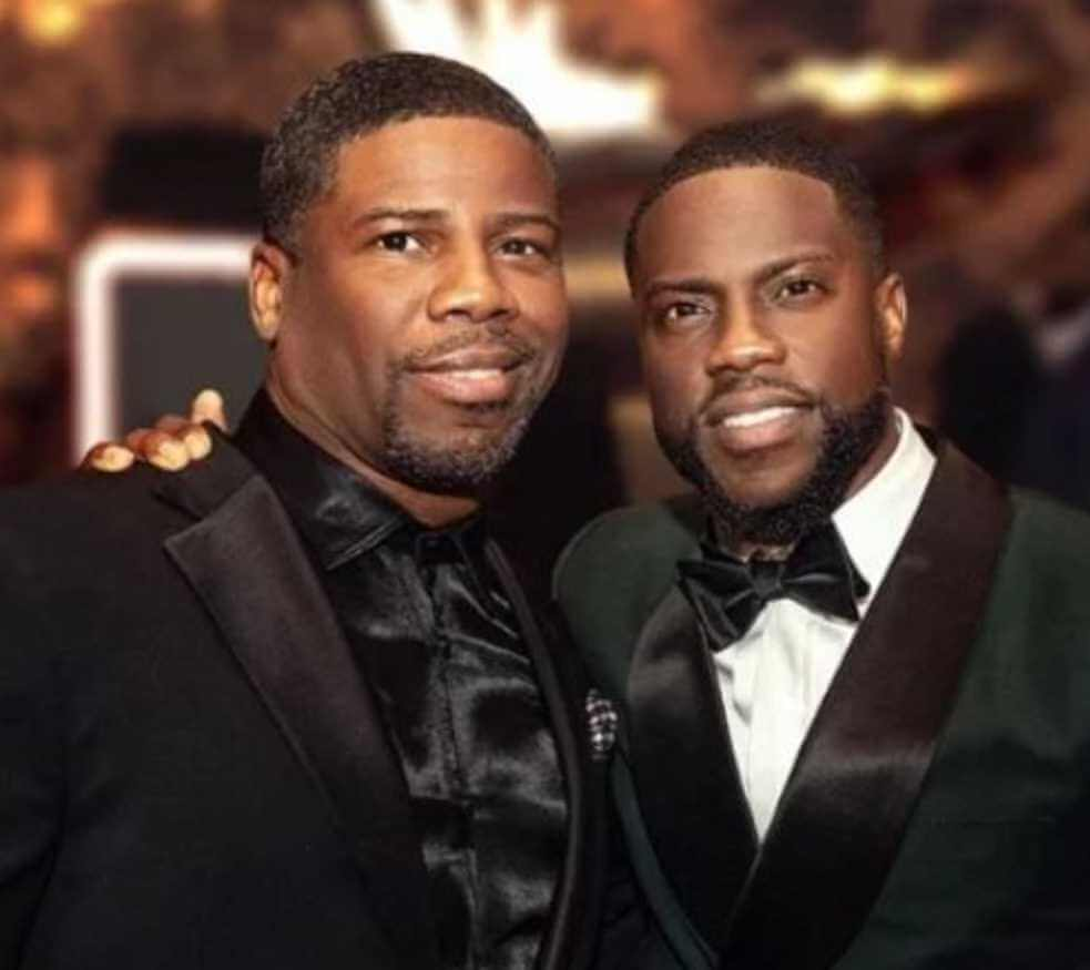 Kevin Hart with his brother Photo