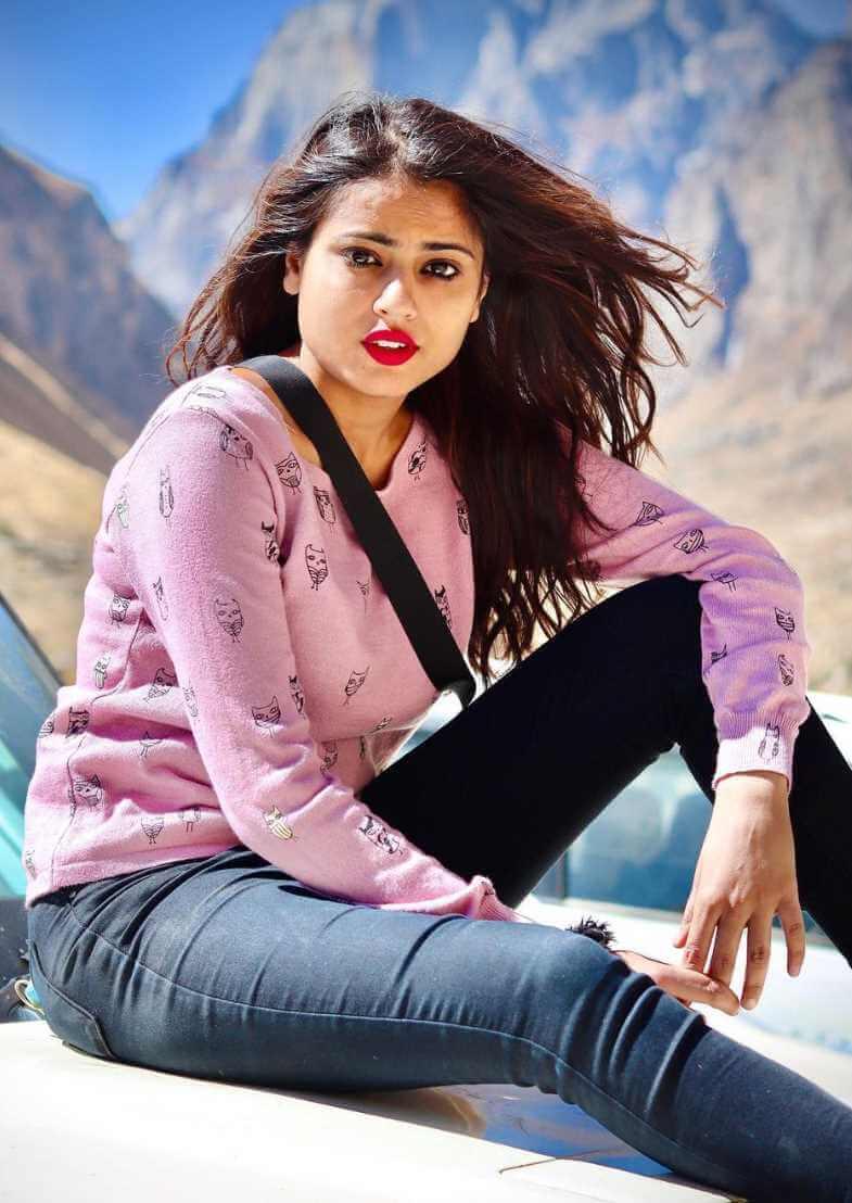 Nishu Tiwari  Hot Photo