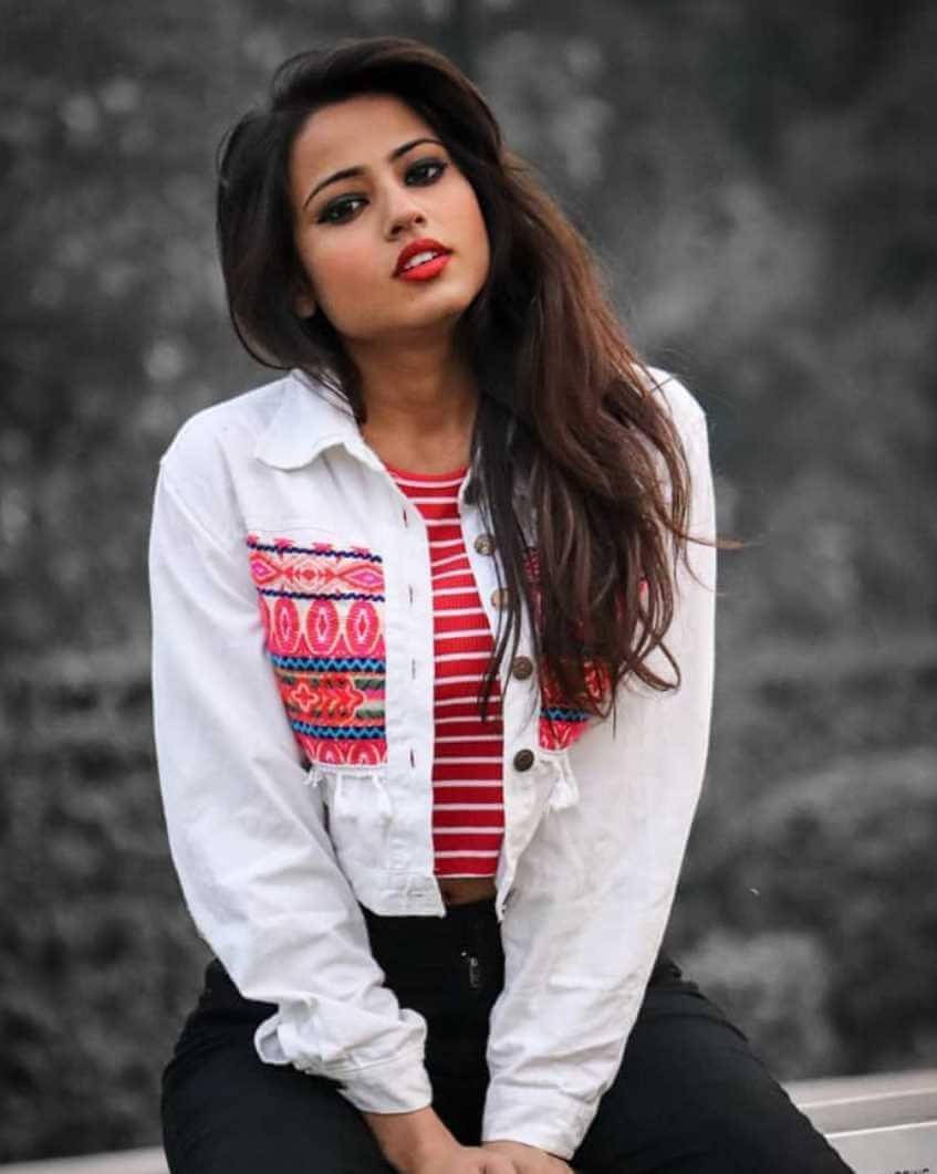 Nishu Tiwari  Picture